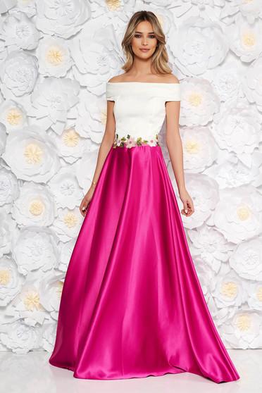 Világos rózsaszínű Artista hosszú ruha hímzett betétekkel