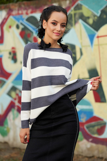 Szürke bő szabású hétköznapi kötött pulóver