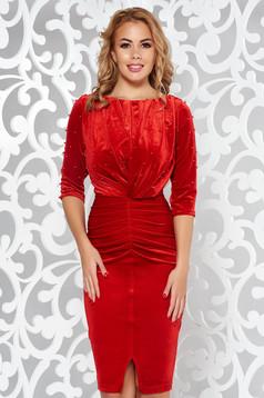 Piros Artista alkalmi bársony ruha gyöngyös díszítés