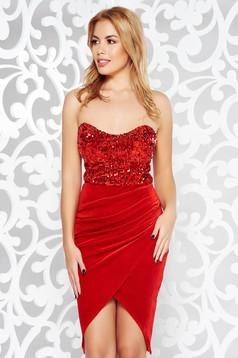 92dacffa4e Alkalmi piros Artista ruha szatén anyagból hímzett betétekkel