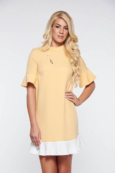 4d8070e468 Sárga PrettyGirl elegáns bő szabás ruha enyhén rugalmas anyag fémes  kiegészítő