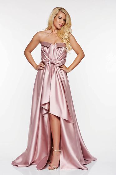 Rózsaszínű LaDonna ruha alkalmi szatén anyagból asszimmetrikus szabással váll nélküli