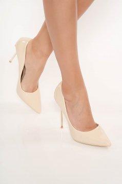 Krém elegáns cipő lakkozott öko bőr enyhén hegyes orral magassarkú