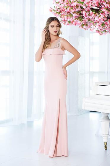 Rózsaszínű LaDonna alkalmi ruha szirén tipusú belső béléssel enyhén rugalmas anyag hímzett betétekkel
