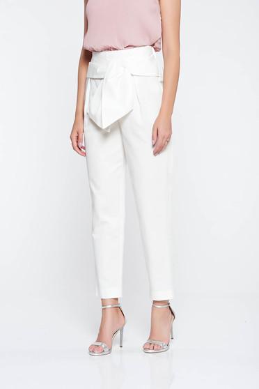 Fehér elegáns kónikus pamutból készült nadrág magas derekú
