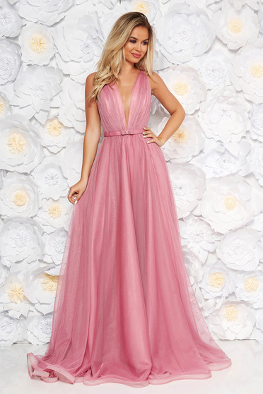 Világos rózsaszín Ana Radu luxus ruha tüllből övvel ellátva mély dekoltázzsal és béléssel