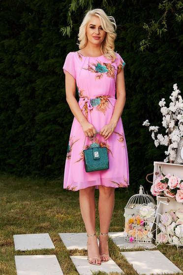 Pink elegáns harang ruha lenge, áttetsző anyagból béléssel és övvel ellátva