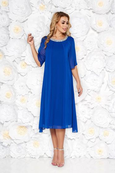 Kék alkalmi bő szabású ruha lenge anyagból belső béléssel csillogó kiegészítőkkel