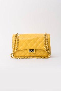 Sárga táska hosszú lánc típusú pánttal