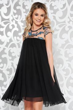 Fekete StarShinerS alkalmi ruha fátyol belső béléssel bő szabás flitteres díszítés