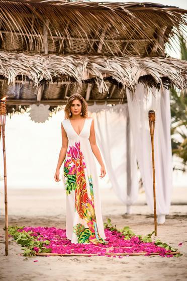 Fehér Cosita Linda strandi bő szabású ruha v-dekoltázzsal ujj nélküli