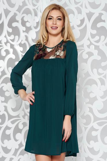 Zöld StarShinerS alkalmi bő szabású ruha fátyol anyag belső béléssel hímzett betétekkel