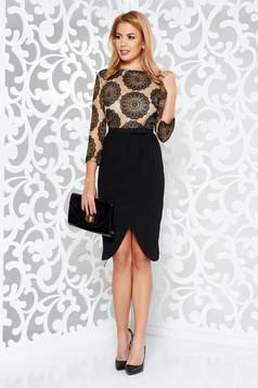 Fekete StarShinerS alkalmi ruha szűk szabás enyhén rugalmas szövet és csipkés anyagból