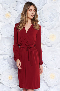 Piros StarShinerS elegáns ruha derékban rugalmas finom tapintású anyag övvel ellátva