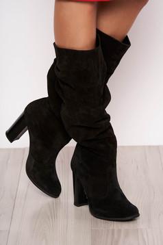 Fekete casual bőr csizma vastag sarokkal