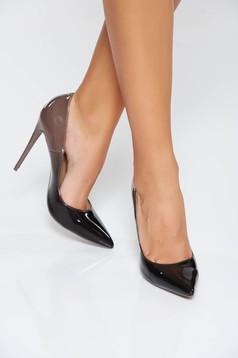 Szürke elegáns cipő enyhén hegyes orral magassarkú lakkozott öko bőr