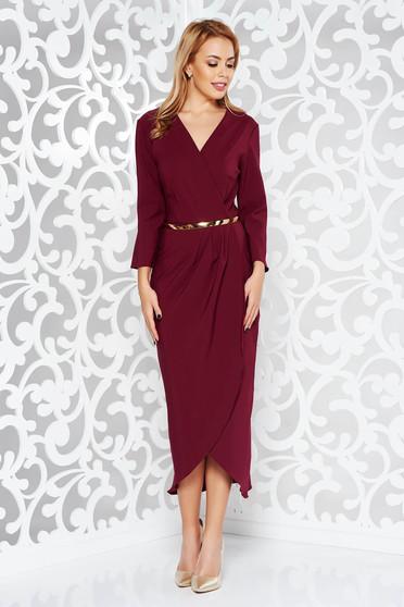 Burgundy elegáns ruha enyhén rugalmas szövet belső béléssel öv típusú kiegészítővel