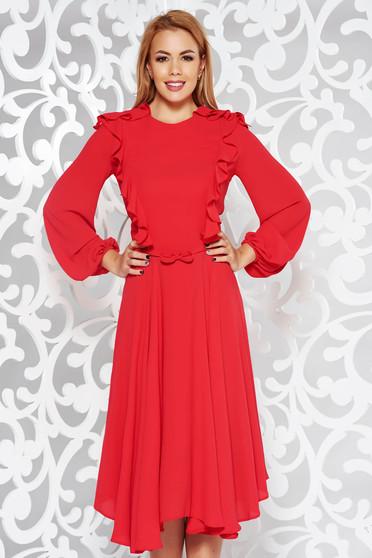 Piros elegáns midi harang ruha fátyol anyag belső béléssel övvel ellátva