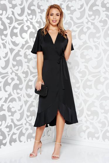 6797a78215 Fekete alkalmi ruha átfedéses rugalmatlan anyag fodrokkal a ruha alján
