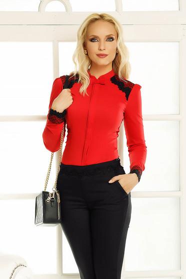 Piros Fofy irodai női ing szűk szabás csipke díszítéssel