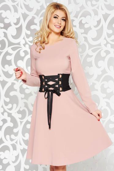 Rózsaszínű LaDonna hétköznapi elegáns harang ruha enyhén elasztikus szövet övvel ellátva