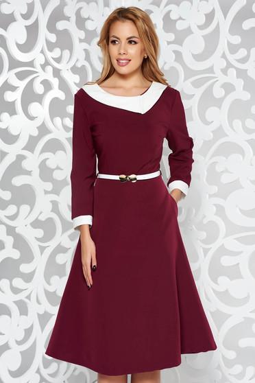 Burgundy elegáns harang ruha enyhén rugalmas szövet öv típusú kiegészítővel