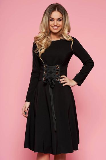 Fekete LaDonna hétköznapi elegáns harang ruha enyhén elasztikus szövet övvel ellátva