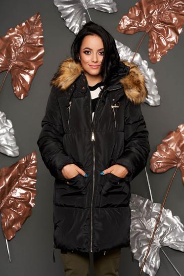 Fekete casual fix kapucnis vízhatlan dzseki béléssel műszőrme díszítéssel
