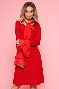 Piros SunShine party ruha szűk szabás kötött anyag harang ujjakkal