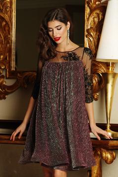 709688b5a1 Lila Artista alkalmi ruha fényes anyag lamé szál belső béléssel ...