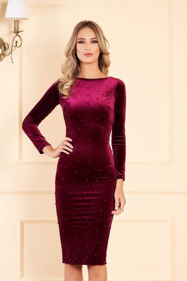 Burgundy alkalmi midi szűk szabású bársony ruha gyöngyös díszítéssel