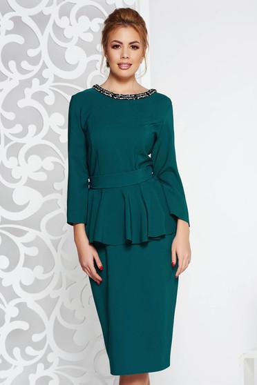 Zöld elegáns midi ruha enyhén elasztikus szövet peplum strassz köves díszítés övvel ellátva