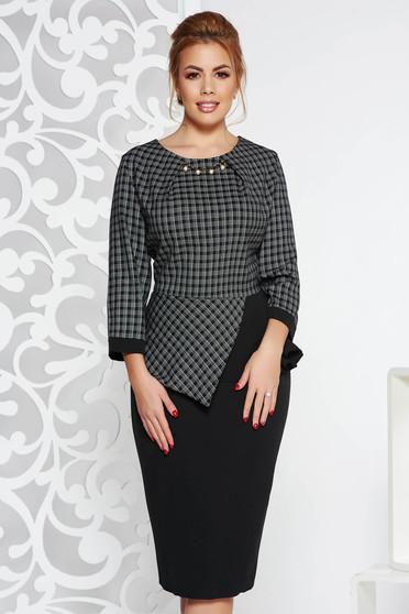 Fekete elegáns ceruza ruha enyhén elasztikus szövet derekán fodros fém díszítések
