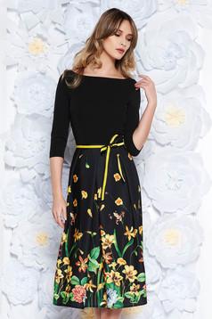Fekete StarShinerS ruha elegáns harang enyhén rugalmas anyag övvel ellátva