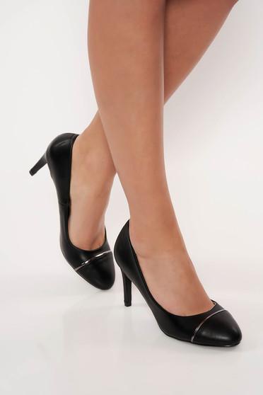 Fekete elegáns műbőr cipő magassarkú