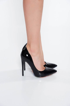 Fekete cipő elegáns lakkozott öko bőr magassarkú enyhén hegyes orral