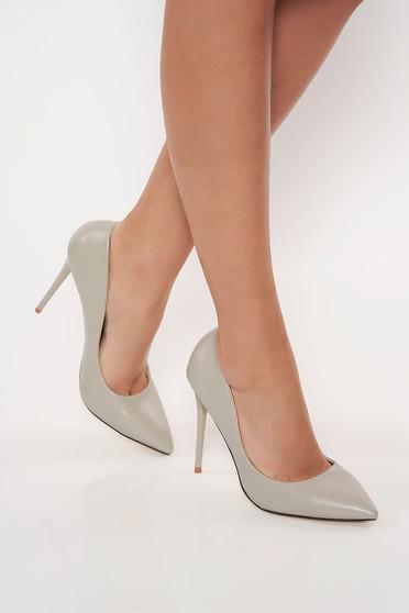 Szürke stiletto irodai magassarkú műbőr cipő enyhén hegyes orral