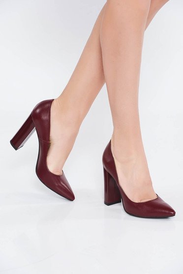 Burgundy irodai cipő vastag sarok enyhén hegyes orral