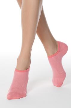 Pink zokni rugalmas anyagból lekerekitett sarokkal