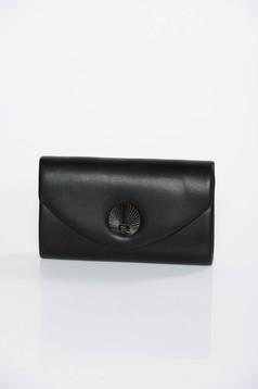 Fekete táska műbőr hosszú lánc típusú pánttal