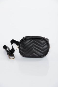 Fekete casual műbőr táska öv típusú kiegészítővel