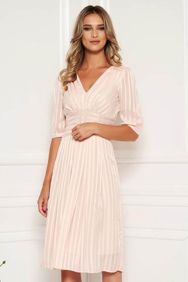 Világos rózsaszín alkalmi midi harang ruha finom tapintású anyagból béléssel övvel ellátva