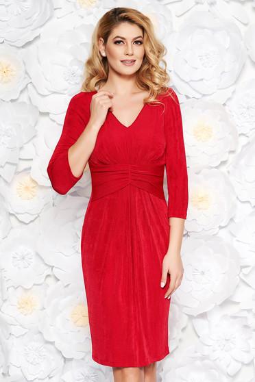 Piros alkalmi midi ruha fényes anyag belső béléssel v-dekoltázzsal