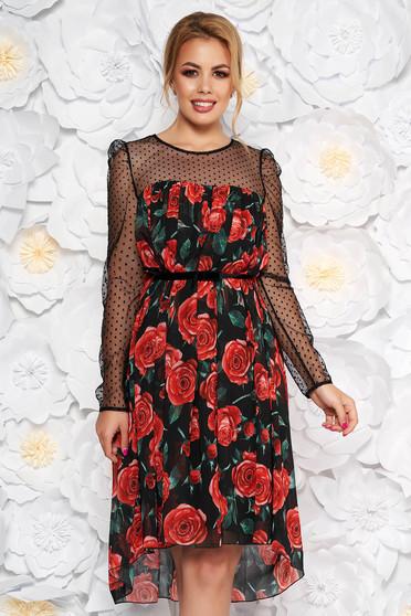 Fekete alkalmi bő szabású ruha fátyol belső béléssel virágmintás díszítéssel