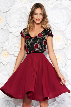 Burgundy StarShinerS alkalmi harang ruha fátyol anyag v-dekoltázzsal hímzett virágos díszek 3d effekt