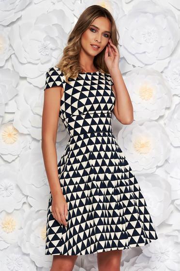 Fekete elegáns harang ruha nem elasztikus pamut belső béléssel geometriai minta