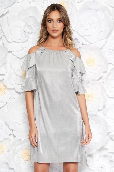 Ezüst alkalmi bő szabású ruha fényes anyag belső béléssel kivágott vállrésszel