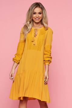 Sárga Top Secret casual bő szabású ruha lenge anyagból csipke díszítéssel