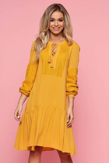 758260c404 Sárga Top Secret casual bő szabású ruha lenge anyagból csipke díszítéssel