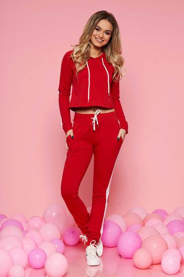 Piros SunShine casual szett enyhén elasztikus pamut zsebes nadrág derékban zsinórral van ellátva